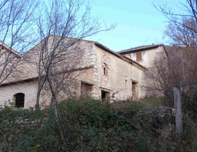 Casali in vendita - Ristrutturare casale in pietra ...